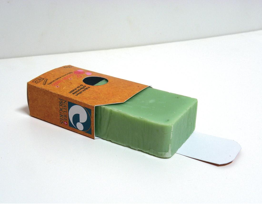 Packaging en mode ouvert pour l'entrepise Louise Emoi